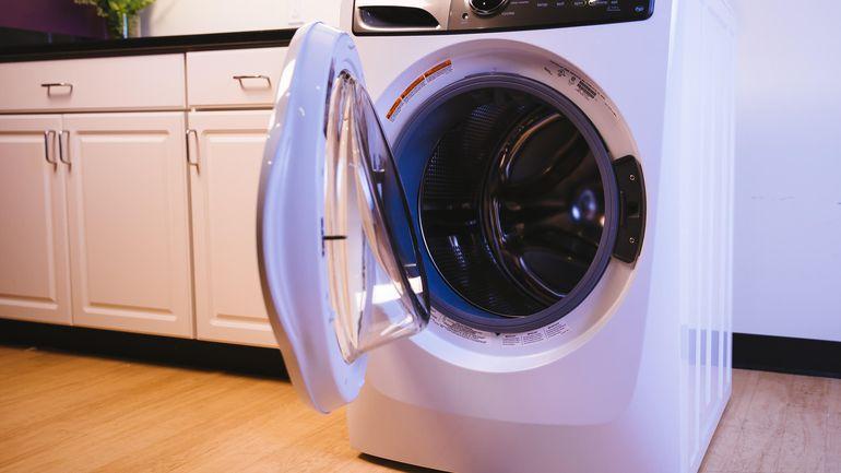 ماشین لباسشویی آبگیری نمیکند