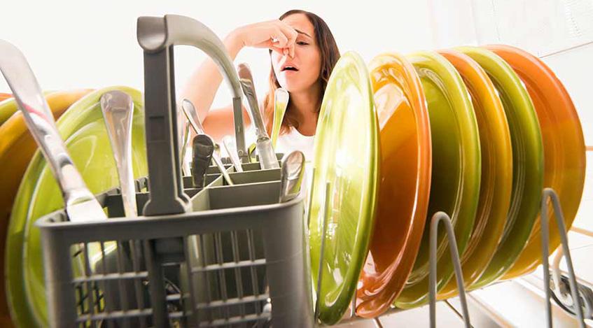 بوی بد ماشین ظرفشویی